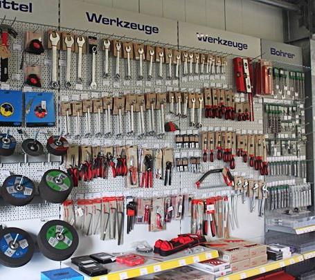Mario-Janssen-Baumarkt-Kleve-Werkzeuge-455x405